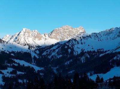 skiweekend06 25 to